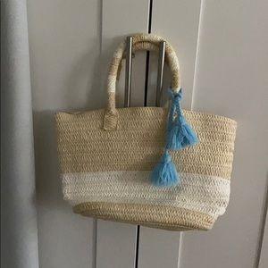 Altru straw purse
